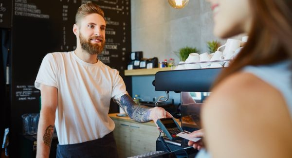 Cafe betaling met pinautomaat